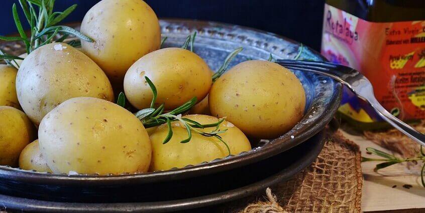 Cách trị thâm mụn bằng khoai tây