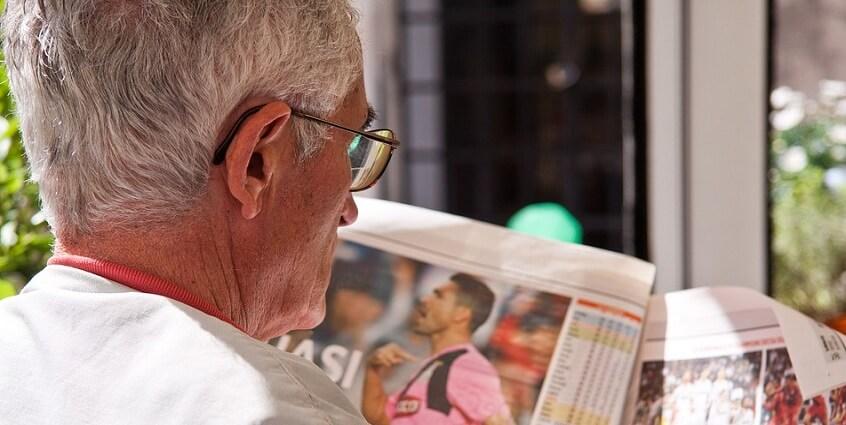 Cách trị tóc bạc và rụng tóc ở tuổi trung niên
