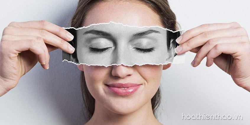 DIY Công thức dưỡng da vùng mắt từ nha đam